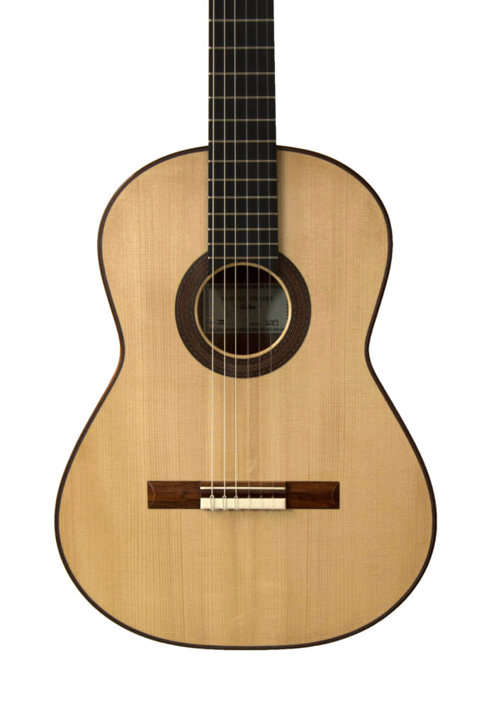 guitares pradel lyon epicea noyer guitare table d'harmonie