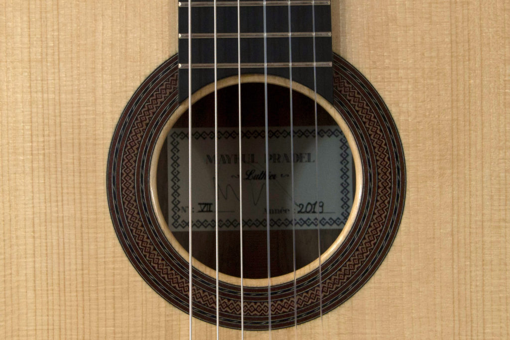 guitares pradel lyon epicea noyer guitare rosace