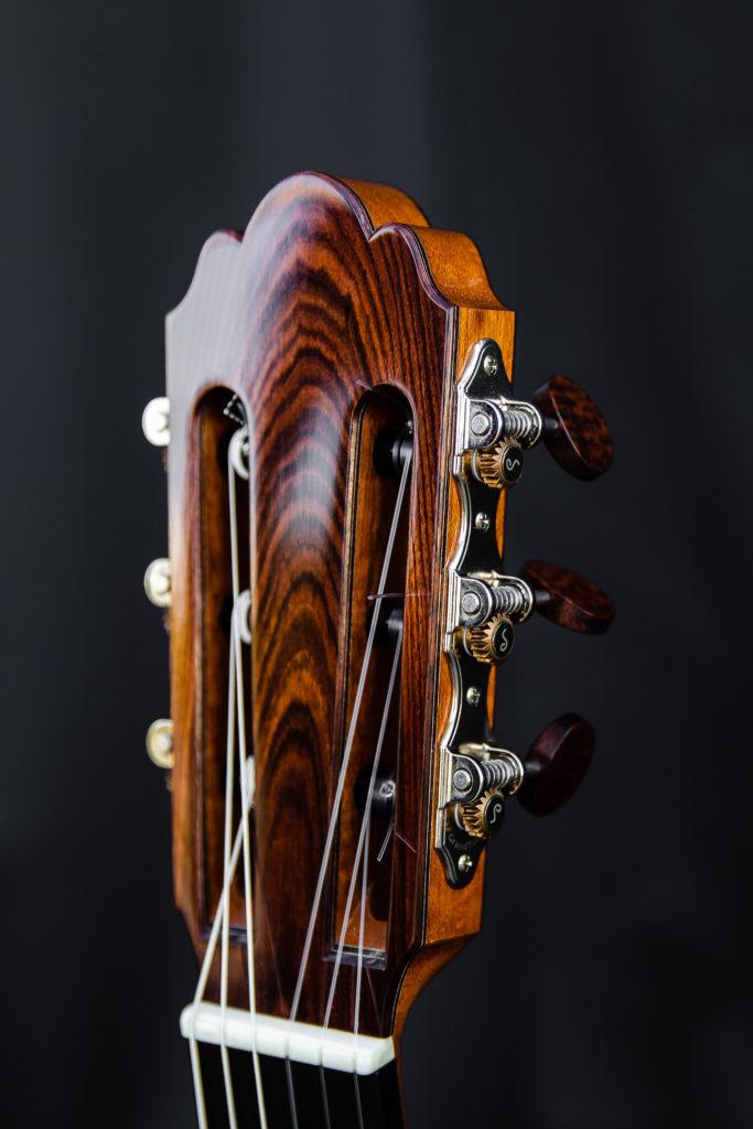 Guitares Pradel XI tete